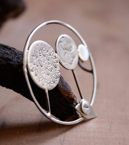 Marcel loves trees, bird brooch in sterling silver