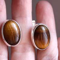 Ojo de León, animal eye cufflinks in sterling silver and tiger eye