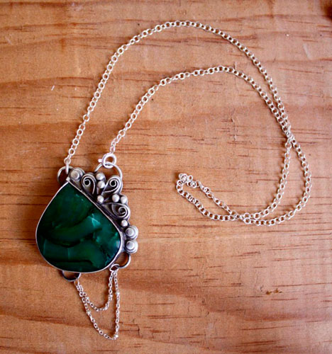 Amazon, Amazonian luxuriance necklace in sterling silver and green agate