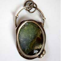 Mystery, magic mirror pendant in sterling silver and chrysoprase
