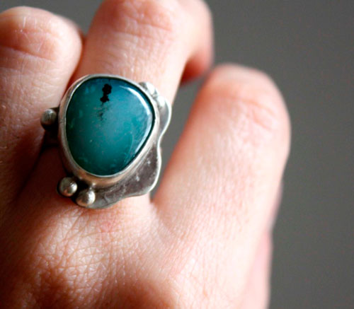 Nilama, Caribbean Sea ring in sterling silver and blue agate