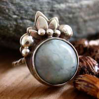 Tan, floral and vegetal ring in sterling silver and turquoise