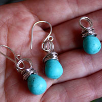 Tana, blue gold earrings and pendant in sterling silver and magnesite