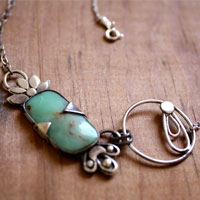 Umi, floral pendant in sterling silver and chrysoprase
