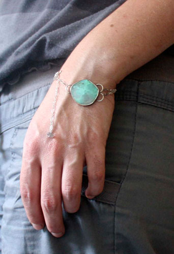 Vaidurya, tropical paradise bracelet in sterling silver and chrysoprase
