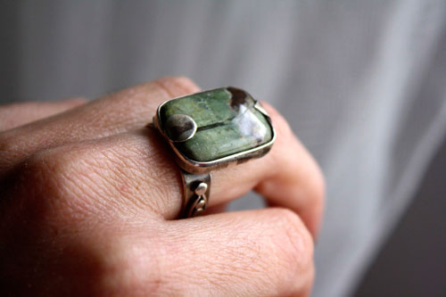 Yama, green mountain ring in sterling silver and African prase jasper