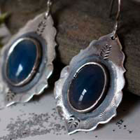 Ama, Native American water earrings in sterling silver and blue agate