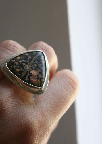 Delta, triangle ring in sterling silver and leopard skin jasper
