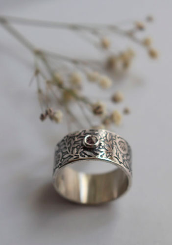 Eternity, pomegranate ring in sterling silver and diamonds