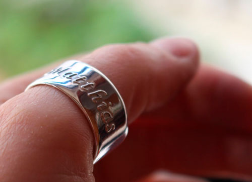 Family link, personalized ring with etched high relief names in sterling silver