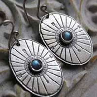Mentor, rose wind earrings in sterling silver and labradorite