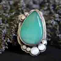 Nature's realm, paisley ring in sterling silver and chrysoprase