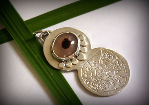 Phaistos, phaistos disc engraved pendant in sterling silver and dendritic agate