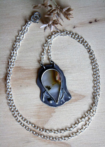 Silence in a winter landscape, meditation necklace in sterling silver and dendritic agate