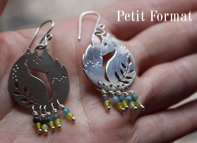 The small fox of the wheat, fox and leaves earrings in sterling silver, blue and green agate