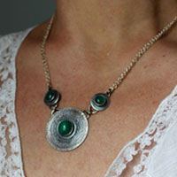The lady of the lake, medieval necklace in sterling silver and green agate