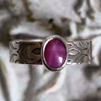 Adelaide, medieval ring in sterling silver and star sapphire