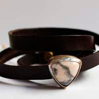 Ansfried, peace and victory bracelet in sterling silver, leather and rhodonite