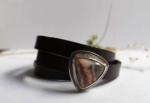 Answald, bracelet in sterling silver, leather and rhodonite