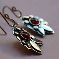 Camellia, flower earrings in sterling silver and garnet