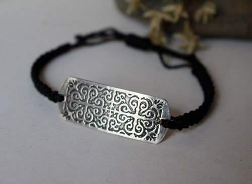 Enguerrand, medieval bracelet in sterling silver and macrame