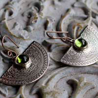 Eternal, natural elements earrings in sterling silver and peridot