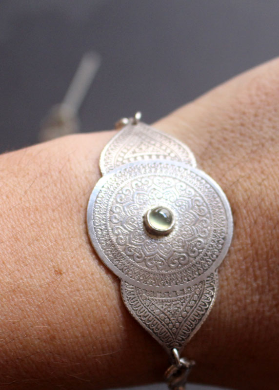 Eye of the soul, mandala bracelet in sterling silver and prehnite