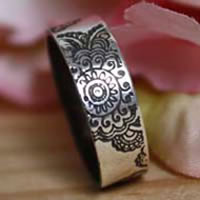 Hanae, flower ring in sterling silver