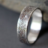 Hitomi small, Japanese soothing waves ring in sterling silver