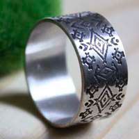 Huichol, etched amerindian tribal ring in sterling silver