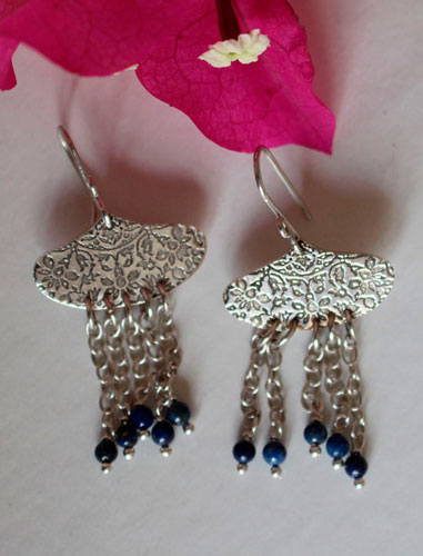 Huyana, Amerindian rain earrings in sterling silver and lapis lazuli