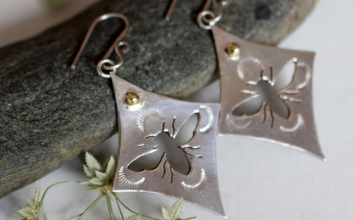 Keren, bee earrings in sterling silver