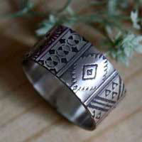 La boheme, bohem spirit etched ring in sterling silver