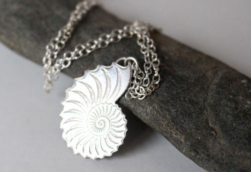 Nautiloïde, nautilus necklace in sterling silver