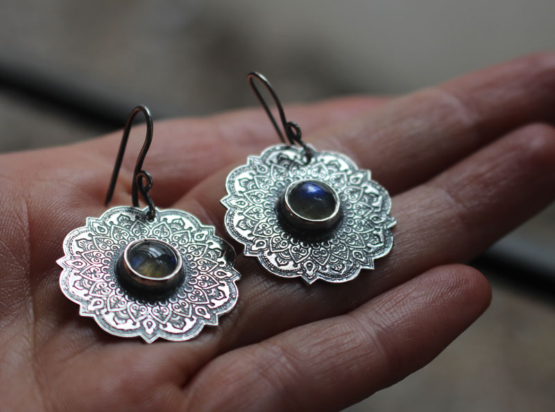 The air, air mandala earrings, the four elements collection, in sterling silver and labradorite