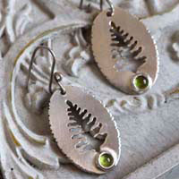 Xylia, tree from the forest earrings in sterling silver and peridot