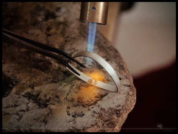 Welding sterling silver setting for a stone mounting
