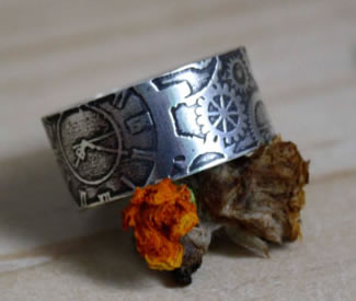 Sterlinf silver engraved ring, Doctor Jekyll