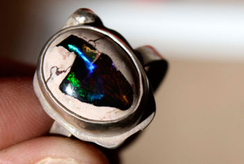 Opal history and healing properties